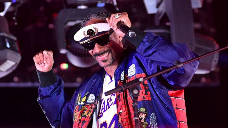 Here's How Much Money Snoop Dogg Wants To Become A Boxing Commentator