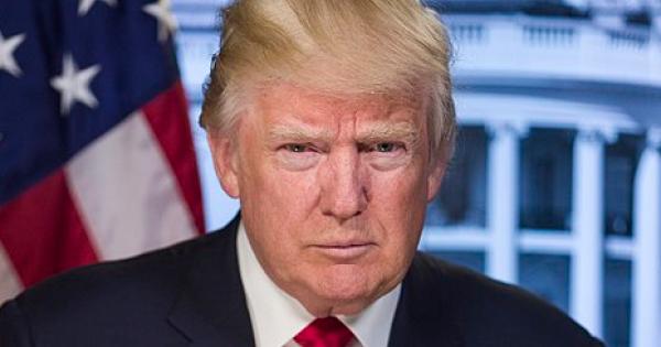 Democrats, 10 Republicans Impeach Trump for Inciting Insurrection