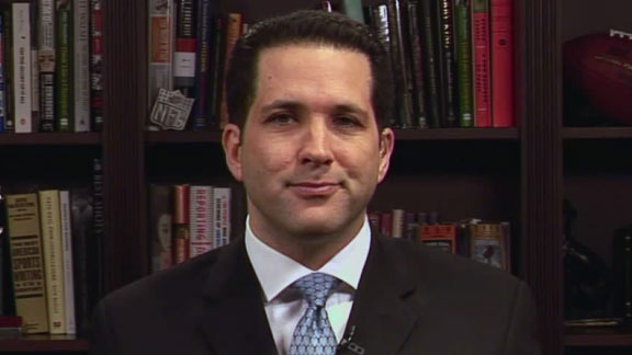 Adam Schefter Releases Statement on Leaked Email of Him Sending a Whole Article to Bruce Allen For Review Before Posting to ESPN
